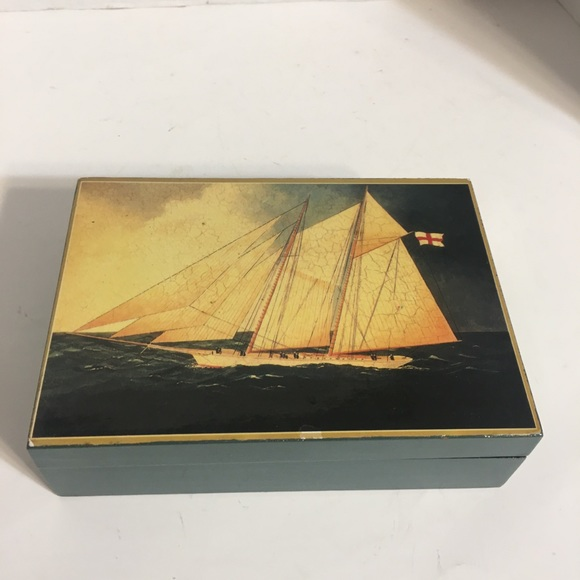Neat English Ship Lacquered Trinket Box!